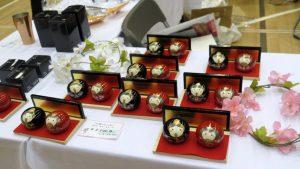 三条仏壇の蒔絵ひな人形