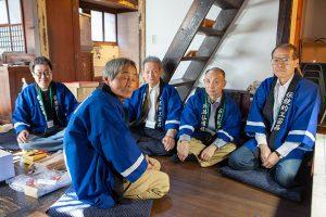新潟仏壇の職人たち