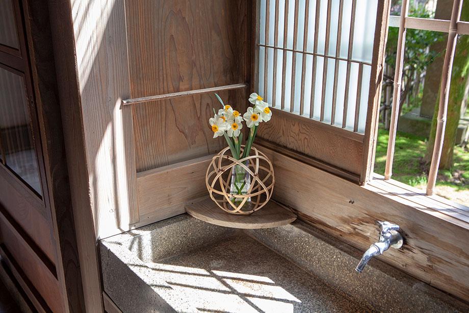 寺泊山田の曲物 花結び